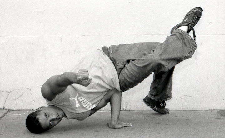 Where can I learn how to breakdance? | Yahoo Answers